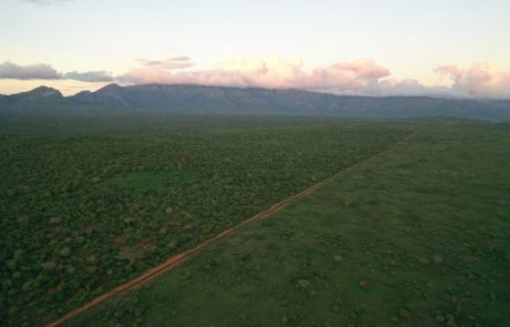 Luchtfoto Keniaans landschap tijdens de GEF Kenya Classic
